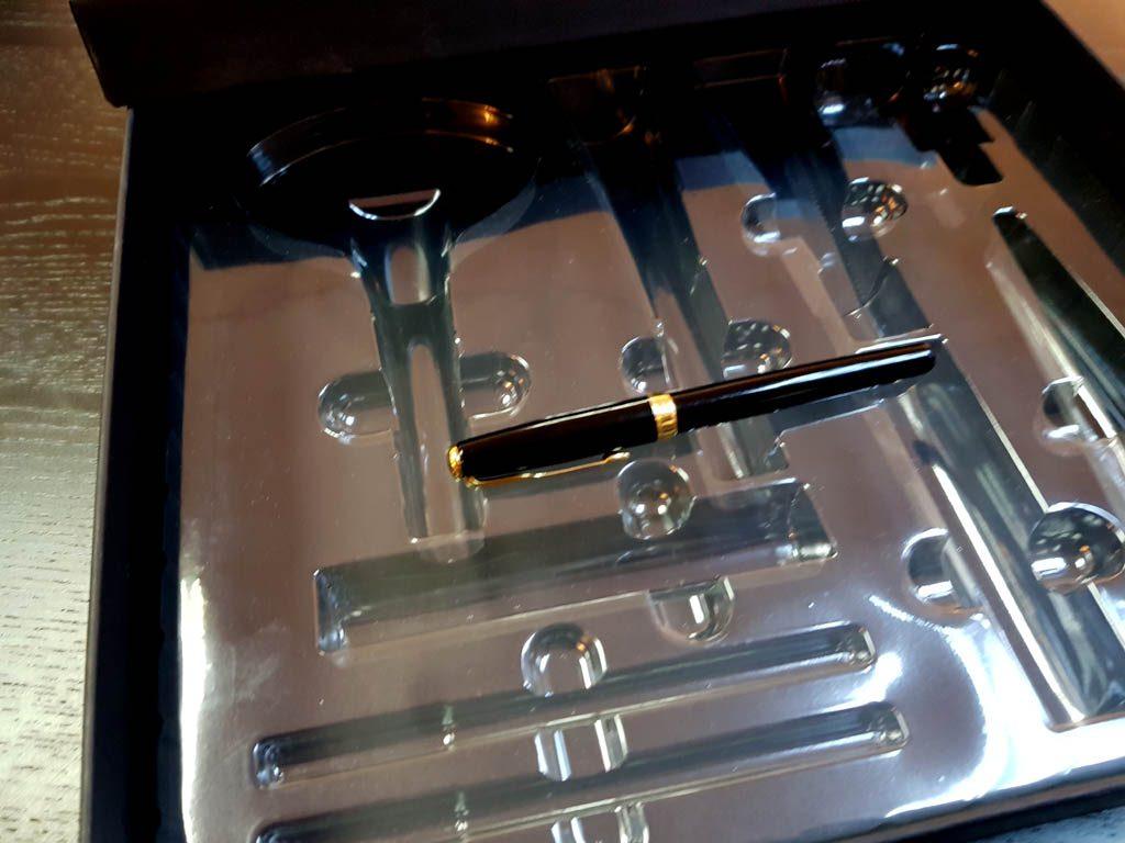 Cutie rigda cu capac pentru produse cosmetice - 3