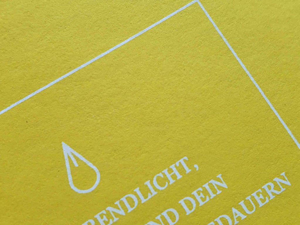 6217-serigrafie alb pe galben